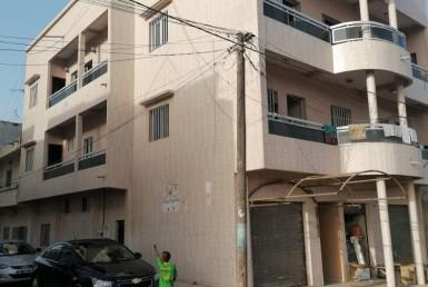 Immeuble R+2 à Guédiawaye